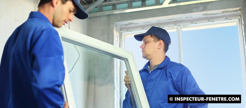 ouvrier fenêtre homme bleu